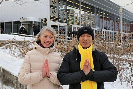 '图2:法轮功学员韩先生夫妇给李洪志师父拜年,由衷感恩师父的看护。'